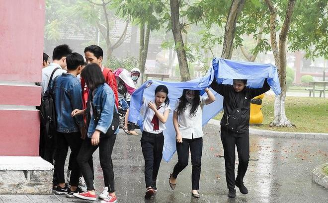 Thời tiết như thế nào trong ngày đầu thi THPT Quốc gia 2019?