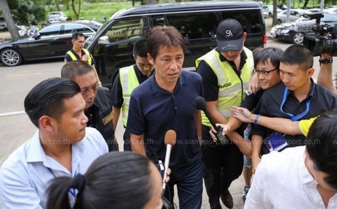 Suýt đưa tuyển Nhật vào tứ kết World Cup, tân HLV trưởng Thái Lan nhận lương bao nhiêu?