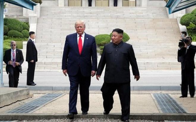 20 bước chân sang đất Triều Tiên của ông Trump: Lịch sử hay 'chương trình truyền hình thực tế'?
