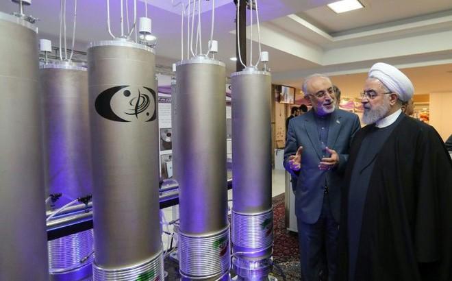 """Vượt giới hạn urani làm giàu, Iran đã """"tiến gần"""" bom hạt nhân?"""