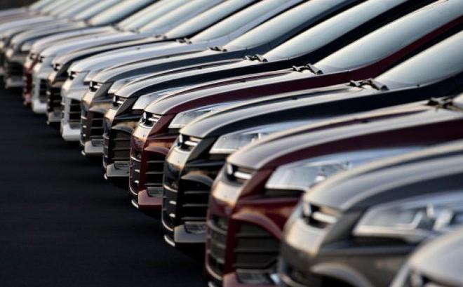 Thuế 0% ô tô giảm giá, dân Việt bỏ xe cỏ lên đời xe sang
