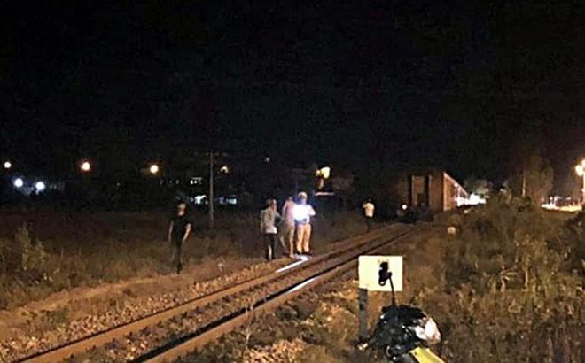 1 thanh niên bị tàu hỏa tông tử vong trong đêm