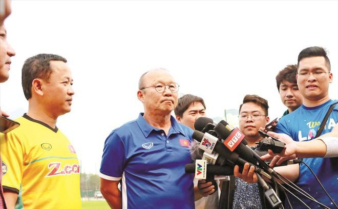 Đàm phán với HLV Park Hang Seo, vì sao chưa ngã ngũ