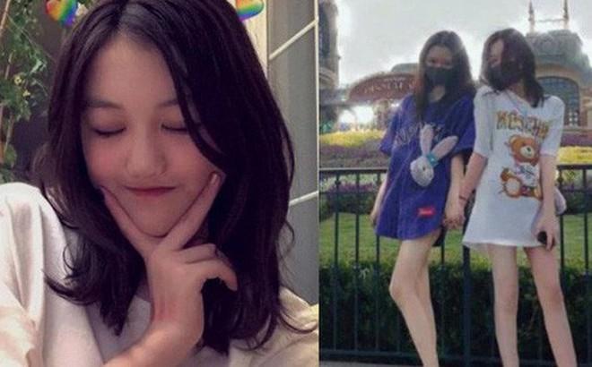 Cô con gái hở hàm ếch của Vương Phi lột xác ngoại hình: Tập tành make up, chân dài với chiều cao đáng ghen tị