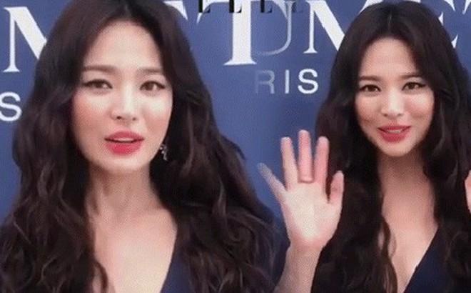 Ôi trời, Song Hye Kyo lột xác táo bạo hậu ly dị: Đã đẹp lại còn diện váy xẻ ngực sâu, khoe đôi gò bồng đảo sexy