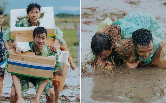Quậy cùng nhau trên ruộng lúa, bộ kỷ yếu của lớp học này chứng minh: Cần gì tốn nhiều tiền, đơn giản nhưng vui là được!