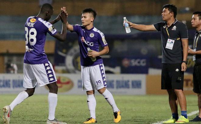 HLV Hà Nội FC chê trọng tài non kinh nghiệm, tưởng tượng ra việt vị khiến đội nhà mất điểm đúng phút cuối