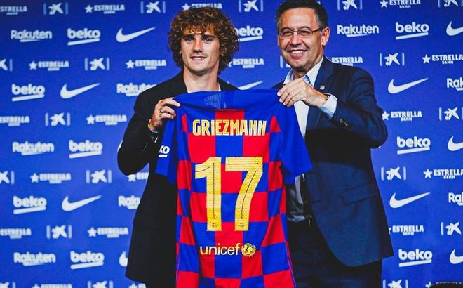 Chiêu mộ Griezmann, Barcelona nợ một tỷ USD
