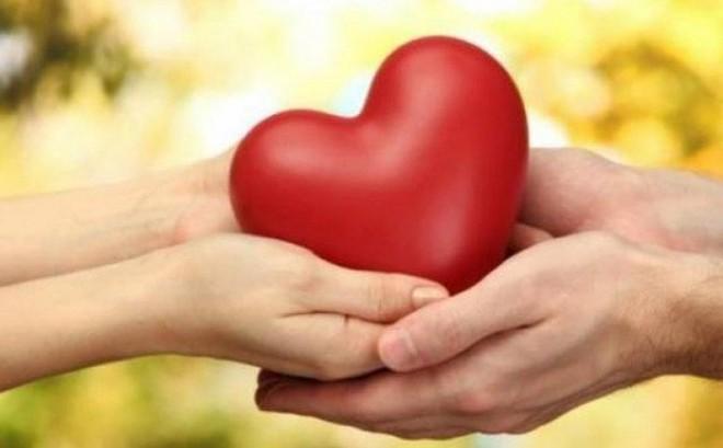 """Người bệnh tim mạch nên """"yêu"""" thế nào?"""
