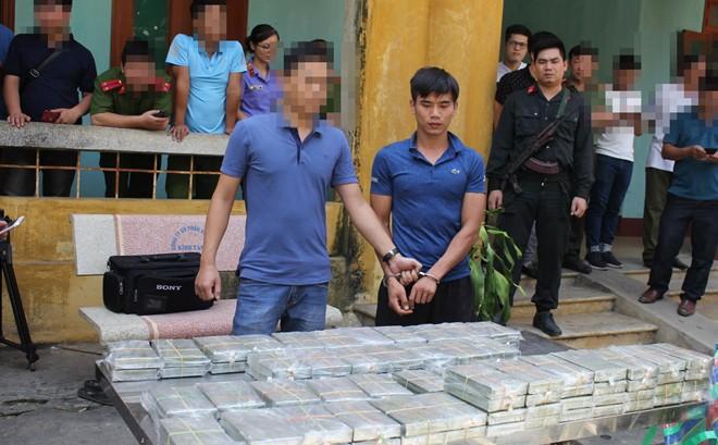 Thêm vụ vận chuyển trái phép 100 bánh heroin bị phát hiện ở Hoà Bình