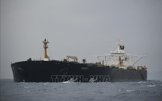 Tòa án Gibraltar gia hạn lệnh tạm giữ tàu chở dầu Iran