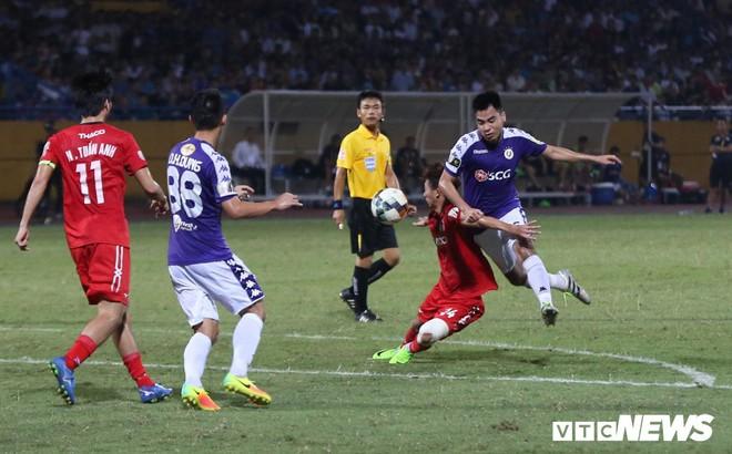 Vòng 17 V-League 2019: Hà Nội FC đòi lại ngôi đầu, HAGL thoát hiểm?