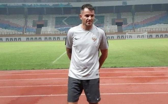 """HLV Indonesia """"nắn gân"""" tuyển Việt Nam trước thềm vòng loại World Cup"""