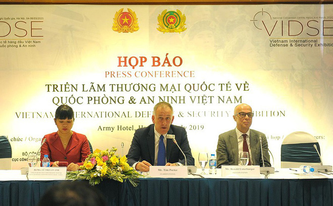 Việt Nam trưng bày công nghệ tàng hình, tàu ngầm