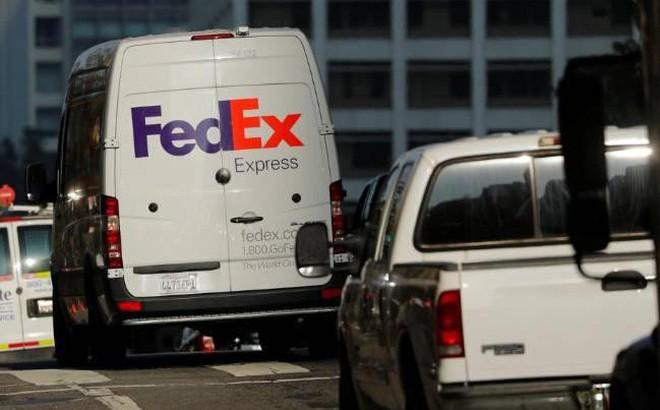 FedEx giữ hàng trăm kiện hàng của Huawei