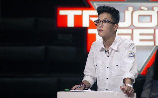 """Màn tranh luận """"Hoa hậu phải có bằng Đại học"""" của nam sinh Hà Nội điển trai nhận về bão lời khen từ dân mạng"""