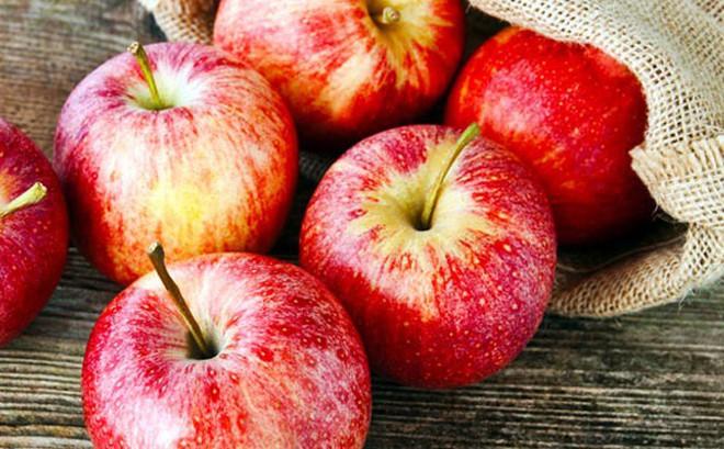 Một quả táo chứa tới 100 triệu vi khuẩn