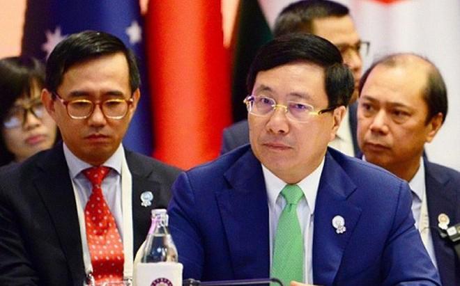 Trước 27 Bộ trưởng Ngoại giao, Phó Thủ tướng nêu sự cố nghiêm trọng Biển Đông