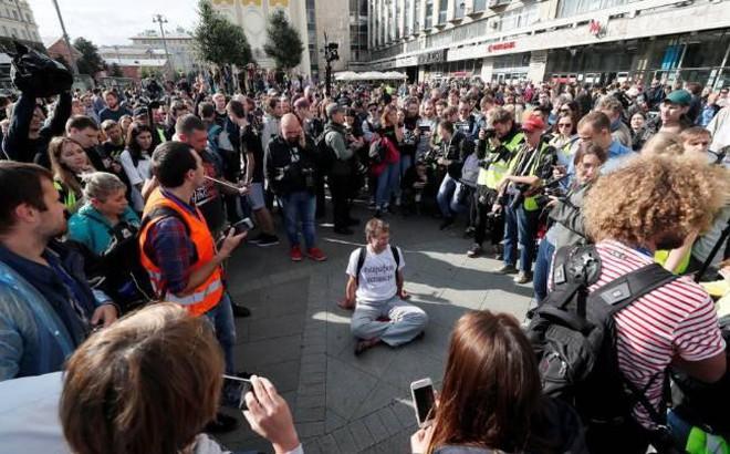 Biểu tình tiếp diễn tại Nga, gần 700 người bị bắt