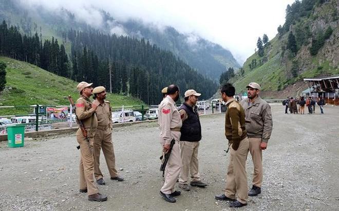 Đấu súng ác liệt ở Kashmir: Ấn Độ muốn Pakistan cầm cờ trắng để dọn thi thể binh lính