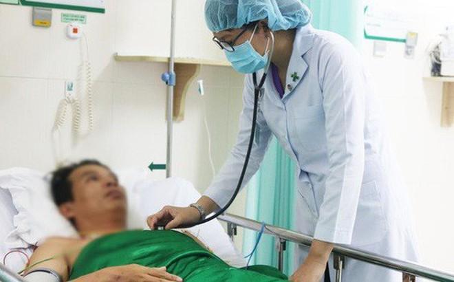 Nhờ bật báo động mã xanh, bệnh nhân ngưng tim, ngưng thở thoát chết hy hữu