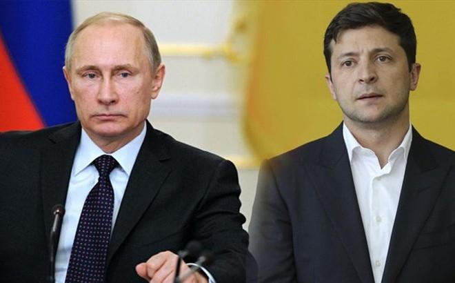 Tổng thống Ukraina đề nghị ông Putin giúp chấm dứt chiến sự ở Donbass