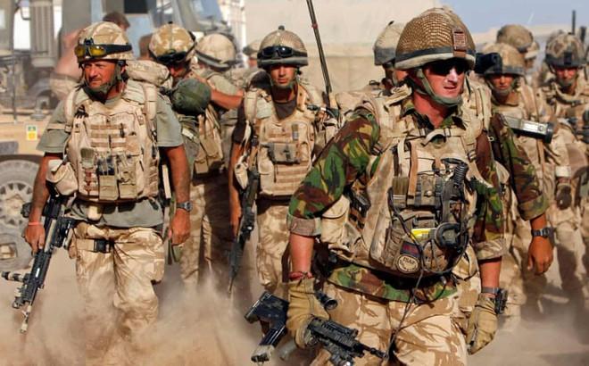 Anh đối mặt cuộc khủng hoảng tuyển quân giữa 'bão' căng thẳng với Iran