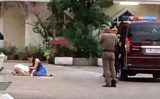 Hoàng tử Thái Lan từng quỳ lạy tiễn biệt mẹ giờ ra sao khi xuất hiện thêm hai người mẹ kế?