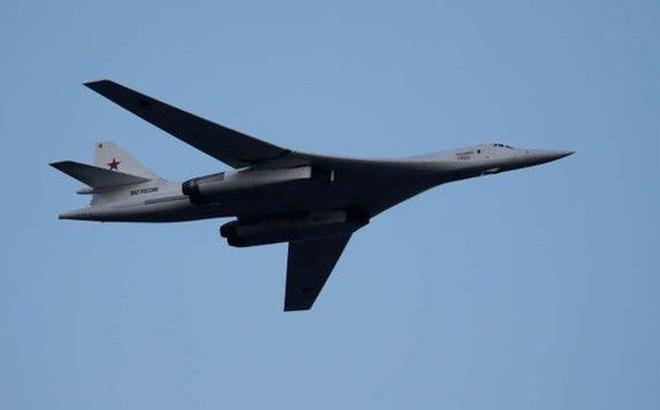 Máy bay ném bom hạt nhân Nga bất ngờ tới sườn Mỹ: Tín hiệu gì từ sức mạnh quân sự?