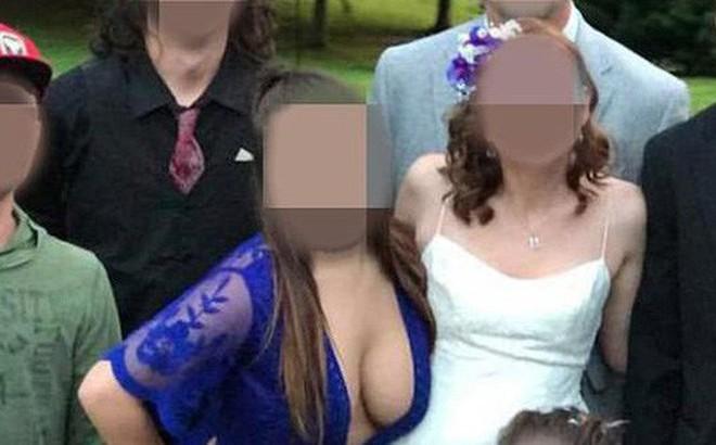 """Đi đám cưới bạn thân mặc váy khoét ngực lộ nguyên vòng 1 đẫy đà, phù dâu khiến mạng xã hội """"dậy sóng"""", mắng chửi không thương tiếc"""