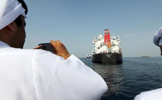 Vừa được trả tự do, tàu chở dầu Iran lập tức 'thay tên đổi họ', di chuyển tới Địa Trung Hải