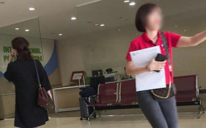 Mặc đồ bộ vội vã ôm con vào bệnh viện lúc 3h sáng, người mẹ bức xúc khi bị một cô gái cười cợt và còn bị chụp ảnh lén