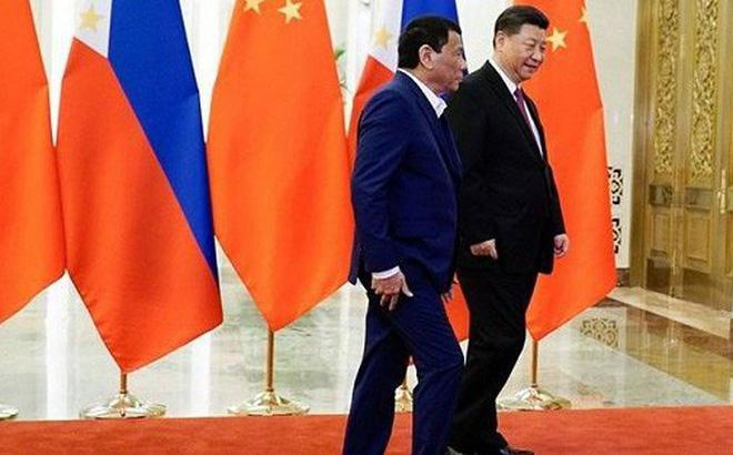 Tổng thống Philippines cắt ngắn chuyến thăm Trung Quốc giữa căng thẳng Biển Đông
