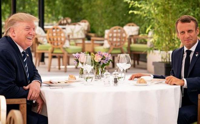 Tổng thống Trump ăn trưa với 'người lạ' ở G-7?