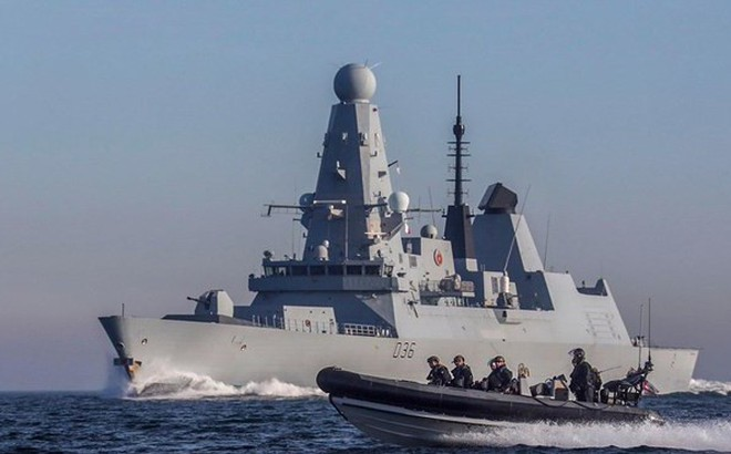 """Anh đưa thêm tàu chiến đến Vùng Vịnh, xiết chặt """"vòng vây"""" với Iran"""