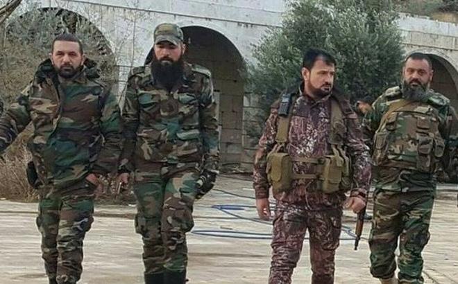 """Tướng """"Hổ Syria"""" bay qua chốt quân sự của Thổ Nhĩ Kỳ ở Hama"""