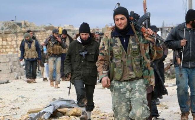 """Chiến sự Syria: Ngoan cố bám trụ hang ổ, phiến quân cay đắng lĩnh """"đòn tấn công khốc liệt"""" của Nga"""