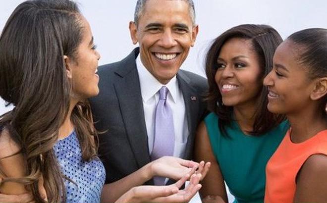 Bà Michelle tiết lộ Obama là người cha tuyệt vời: 'Anh ấy đi họp phụ huynh đều đều'