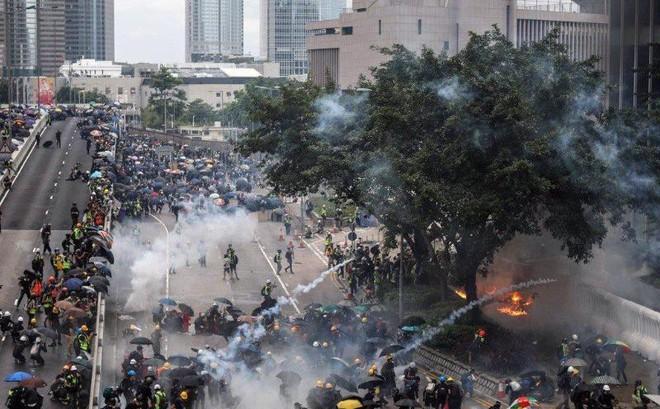 Truyền thông Trung Quốc cảnh báo Mỹ đừng lợi dụng vụ Hong Kong