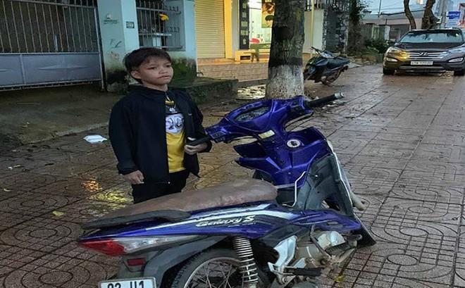 Trẻ 13 tuổi chạy xe máy gần 300 km từ Kon Tum sang Đắk Lắk
