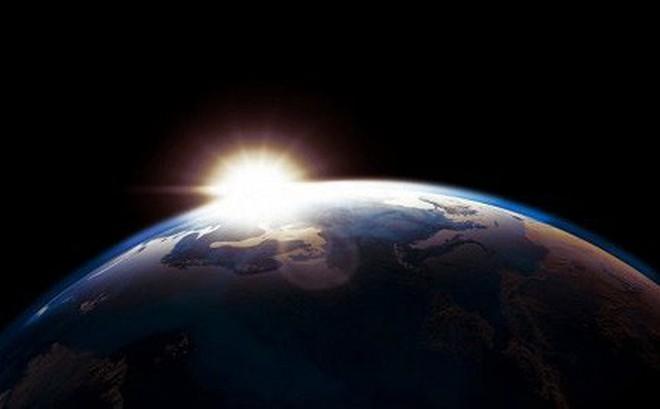 Sáng kiến xây dựng thang máy nối Trái Đất với Mặt Trăng