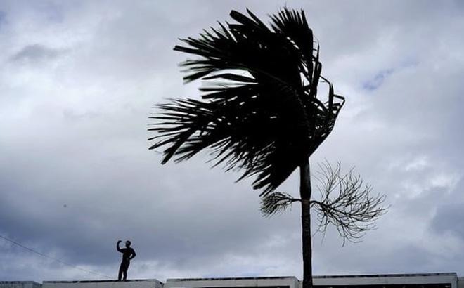 Thủ tướng Bahamas rơi nước mắt khi bão Dorian tăng cấp đổ bộ thẳng quốc đảo