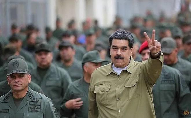 Tổng thống Venezuela cảnh báo nguy cơ Colombia tấn công, chỉ đạo tập trận