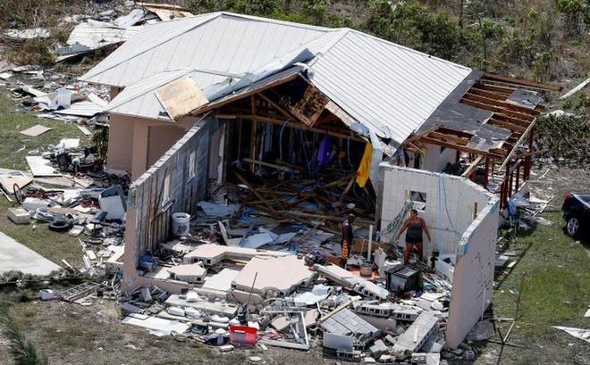Dân Mỹ nín thở đón bão 'quái vật' vừa đoạt mạng 20 người ở Bahamas