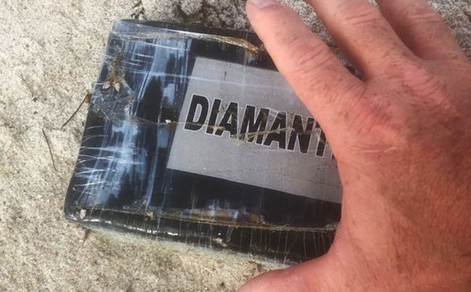 Trước bão Dorian, sóngcuốn gần 1 triệu USD cocain dạt vào bờ biển Mỹ