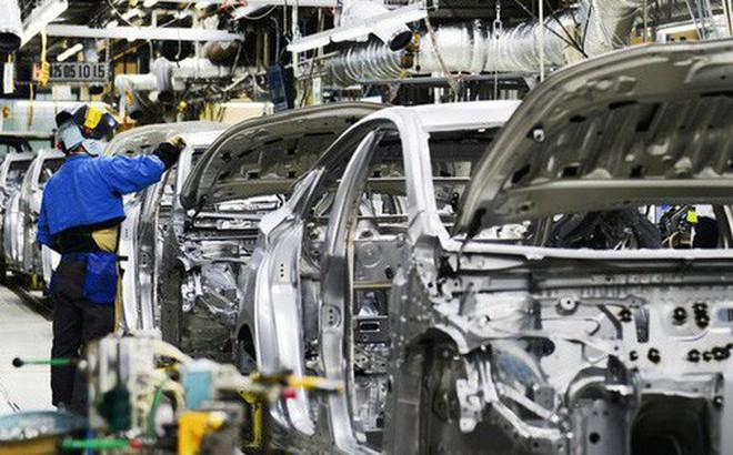 Hàng loạt hãng ô tô giảm sản xuất, tăng nhập khẩu, Bộ lo méo mặt