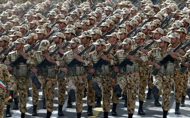 Video: Cùng xem sức mạnh đáng gờm của quân đội Iran