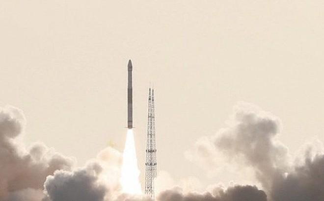 """Trung Quốc thử nghiệm động cơ tên lửa """"bỏ túi"""" nặng chỉ 300g"""