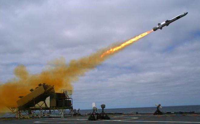 """Mỹ đưa tên lửa mới đến Thái Bình Dương để """"nắn gân"""" Trung Quốc?"""