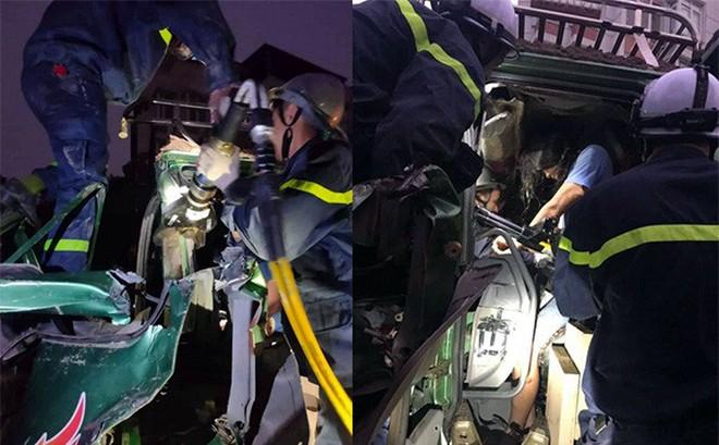 Cắt cửa cứu tài xế mắc kẹt trong cabin vụ 3 ô tô tai nạn liên hoàn